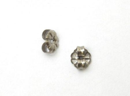 金属アレルギーフリーのFDAピアス 直径4mmトルコ石丸スタッドタイプ